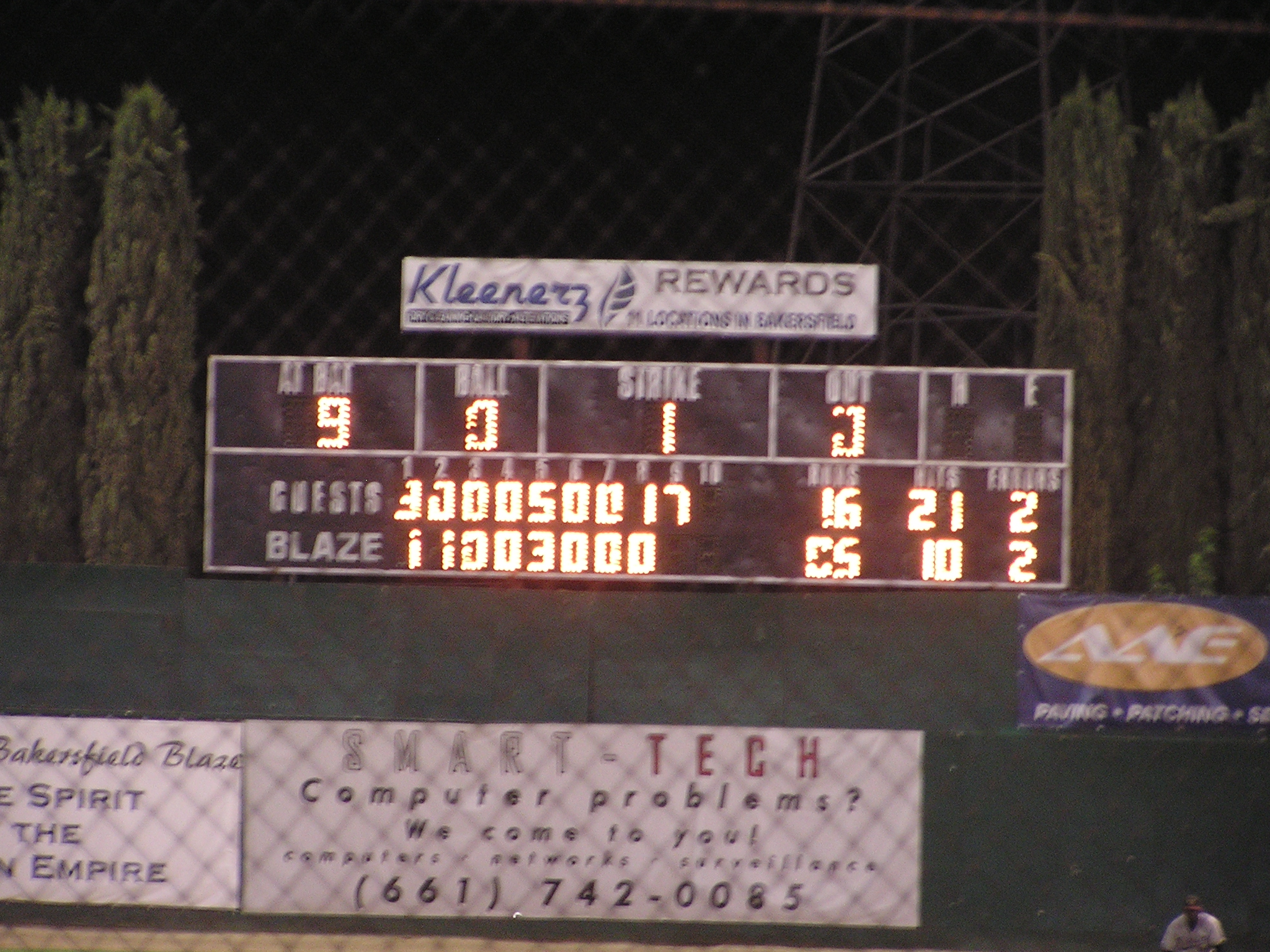 A Scoreboard in need of repair - Bakersfield